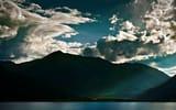 Обои: пейзажи, свет, горы, облака, озеро, море, озёра, вода, лучи